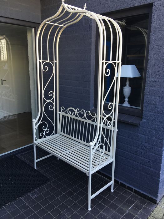 Strange A Wrought Iron Arbour With Garden Seat Italy Second Half 20Th Century Catawiki Squirreltailoven Fun Painted Chair Ideas Images Squirreltailovenorg
