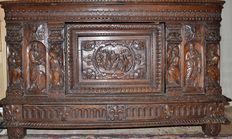 Exceptional wedding chest in oak (high nobility) - France - 16th century, adjustments of the XVIIIth century