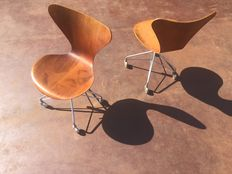 Arne Jacobsen for Fritz Hansen - 2 pcs. original 3117 Butterfly office chairs