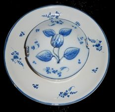 Earthenware from the South-East or possibly Brussels - butter dish with small flowers