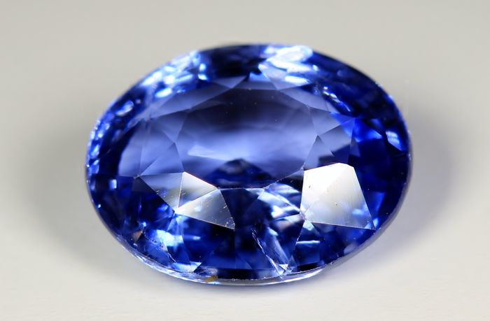 untreated sri shape clean ct grs blue brilliant cushion cornflower certified natural sapphire lanka new
