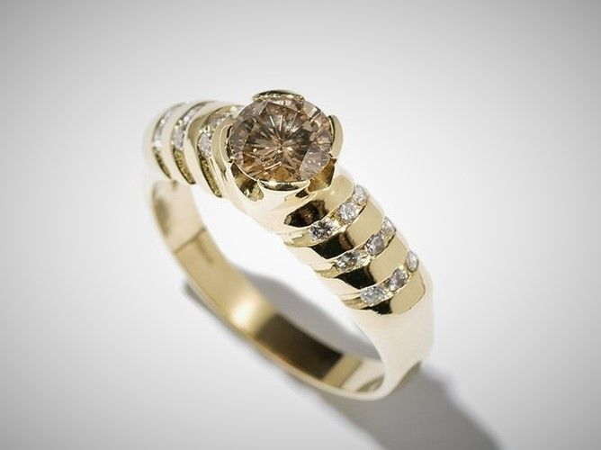 Solitaire yellow gold  Ring with a Champagne  of c. 0.78 Ct, 18K Ring size: 55; US: 7.5 17,5mm∅