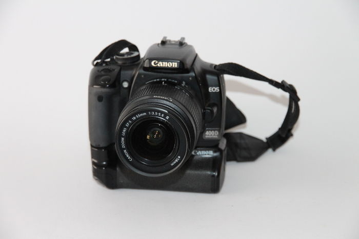 Canon eos 400d battery grip and 18 55mm iii