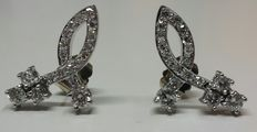 White gold earrings with 38 diamonds total of 1.55 ct, with HRD Jewellery Report