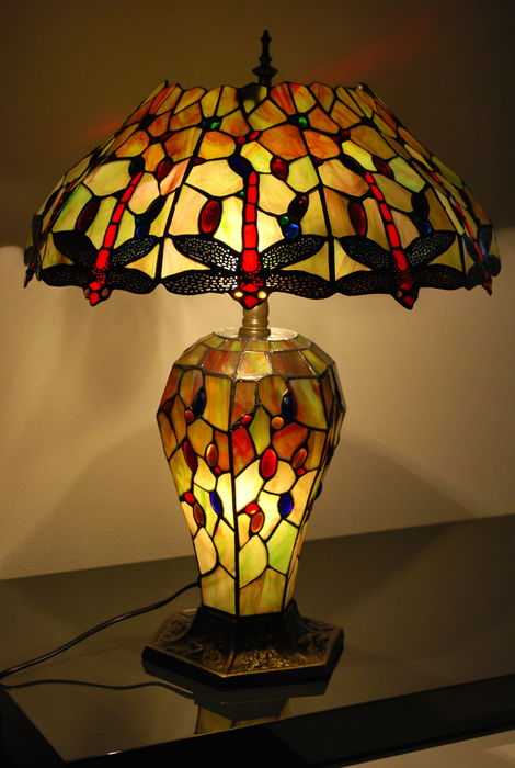 """Large Tiffany style table lamp """"BIG QUEENSLAND DRAGONFLY ..."""