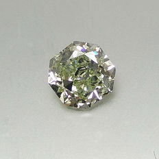 0.73 ct Radiant brilliant cut Natural Fancy Yellowish Green VVS1
