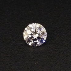 0.41 ct round brilliant diamond M VS1