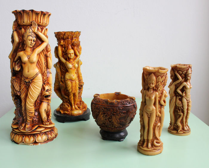 Branded Oriental Vases And Ashtray With Goddess Depiction Catawiki