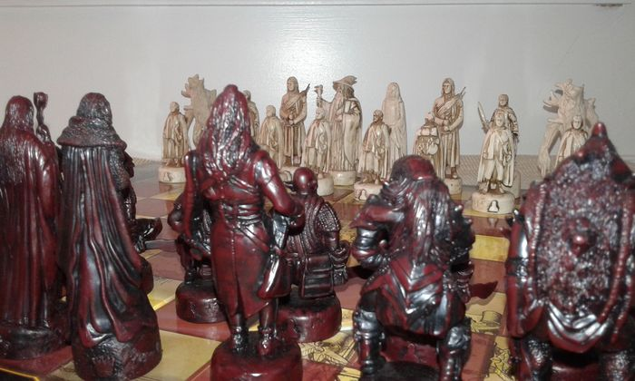 Lord Of The Rings The Two Towers Chess Game 2002