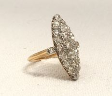 Large marquise ring from the 19th century in 18 kt gold entirely encrusted with bright diamonds of about 2.1 ct in total