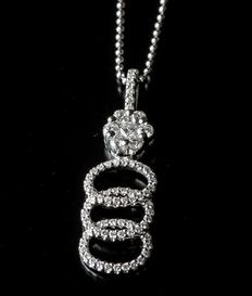 18 kt white gold, cluster pendant with round brilliant diamonds 0.47ct Total Diamond Weight set in F colour and VS clarity. Chain Length: 18inches. No reserve price