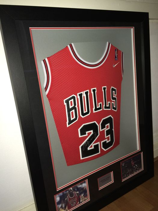 01db6a20091 Michael Jordan / Chicago Bulls - Original 3D framed Home Jersey with  autopen signature + COA.