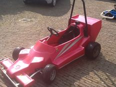 FERRARI RED   Formula 1 race car for children - 3.5 hp Honda engine - 215 x 110 cm