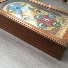Royal Bil Bill predecessor of the pinball machine - 1950-1960