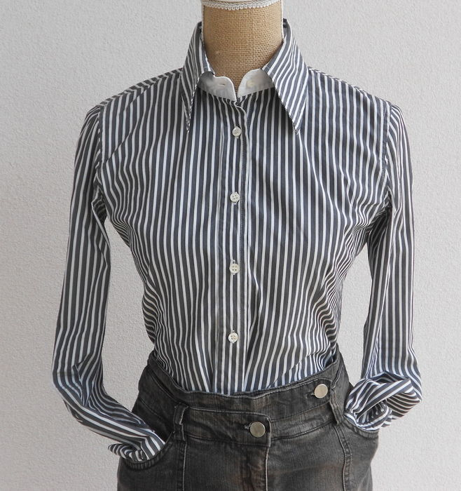 on sale c0fd9 bce2b Lot: Patrizia Pepe - Jeans skirt + Blouse + Police ...