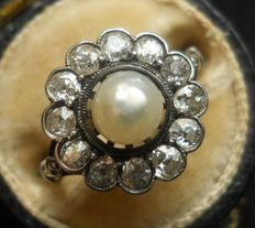 Edwardian Gold Old-Cut Diamonds and Pearl Daisy Ring 1.00 carat! / one carat old-cut diamonds /