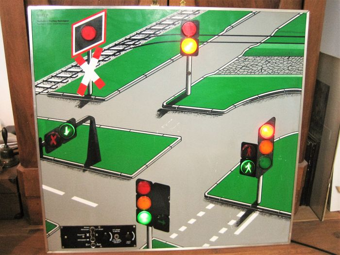 VVR driving school model traffic lights - size 82cm x 76cm around 1950/60