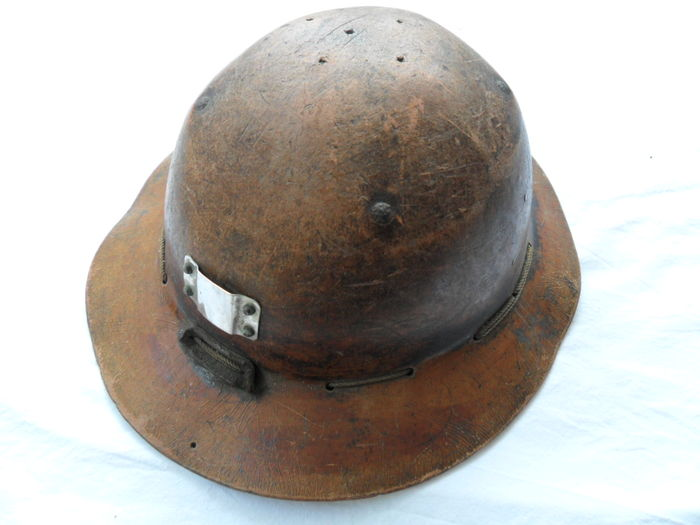 casque de mineur en fibre et son clairage catawiki. Black Bedroom Furniture Sets. Home Design Ideas