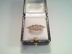 Old ring, 18 karat yellow gold with 5 diamonds, 1.86 ct
