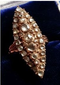 Antique gold 1,8 ct diamond marquise/navette ring from ca. 1910-1920. Size 18.5 mm