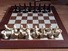 Chess of 1960s signed by Maxim's. Staunton 4.