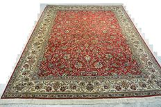Elegant hand knotted Persian carpet with Maralani Bagherzadeh signature, master work 329 x 242 cm. End of the 20th century