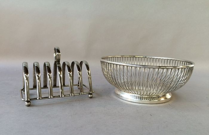 1960s Toaster With Bread ~ Toast rack and bread basket approx catawiki
