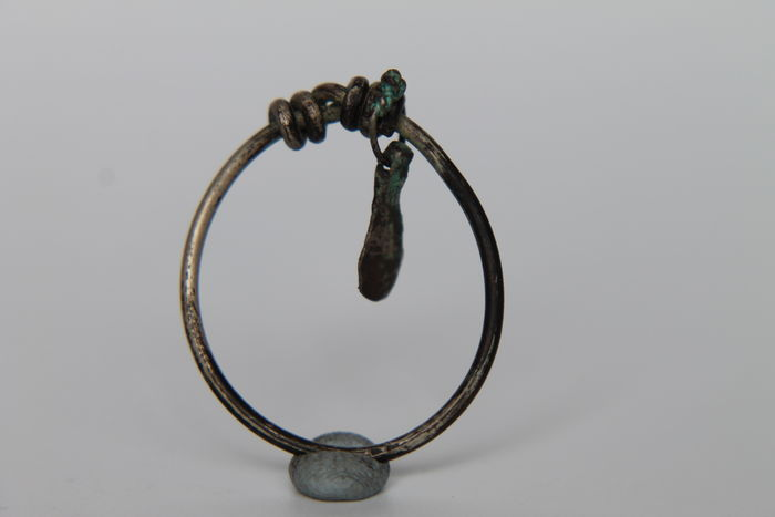 VIKING Period Silver Spiral Knotted Ring with Ахе Pendant Amulet 800-900 AD