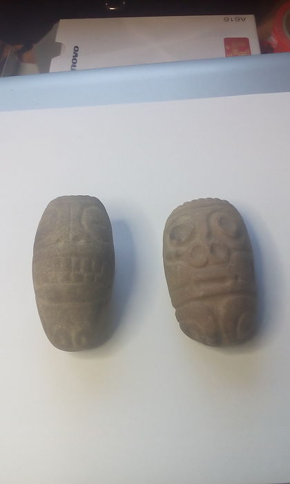 Artifacts from the Taino period, ca. 1000 - 1400 AD, stone material - 4.5 cm