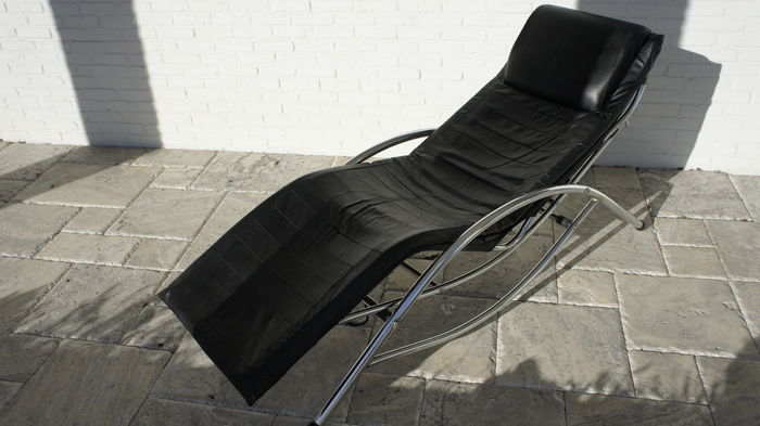 Maker unknown sleek design chaise longue in chrome and for Black leather chaise longue