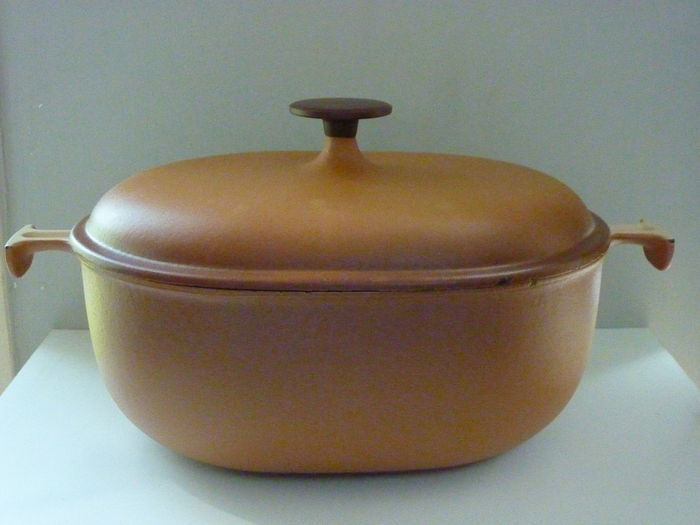 Business. Vintage 29 france le creuset mine, someone