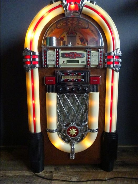 grote baby juke box 1946 hout kunstof metaal catawiki. Black Bedroom Furniture Sets. Home Design Ideas