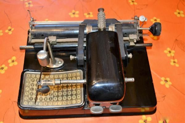 Mignon AEG no. 4 index typewriter, year: 1923