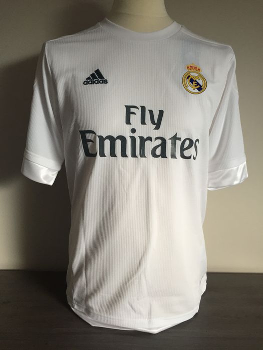 97e325b01ee Hand signed Real Madrid home shirt 2015-2016 Sergio Ramos + photo signing  session + COA