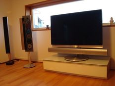 Bang & Olufsen BeoVision 7-32 with BeoLab 7.1