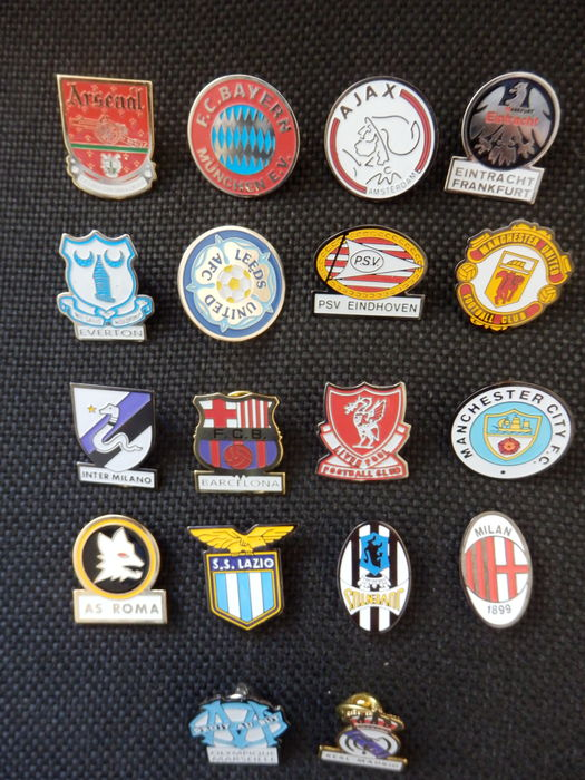 66251ebeb00 Collection of 18 football pins