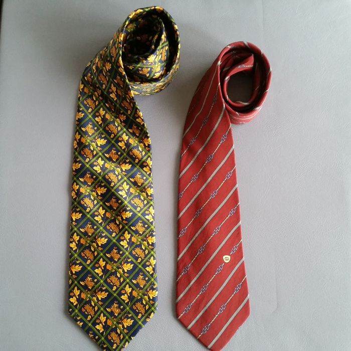 Lot  Gucci   Yves Saint Laurent – 2 Ties - Catawiki 94e30188bb43