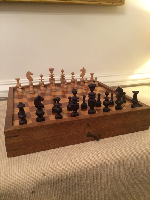 Nice Chess Set In Box Together With Checkers   England Around 1930
