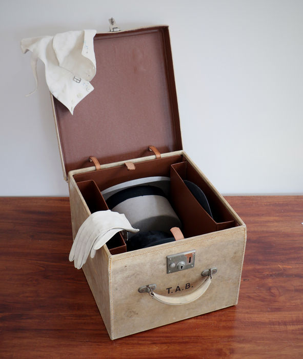 Special Leather Hat Box In Perfect Vintage Condition Catawiki