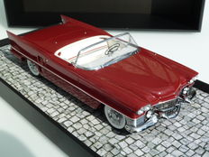 Minichamps - Scale 1/18 - Cadillac Le Mans Dream Car 1953