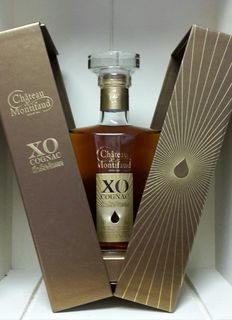 "XO ""Majestic"" Cognac Chateau Montifaud Fine Petite Champagne in giftbox 40 % alcohol ( 1 bottle of 700ml )"