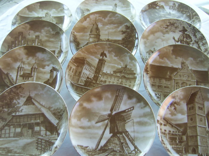 12 pcs. Motif plates wall plates collectable plates from 1984 onwards