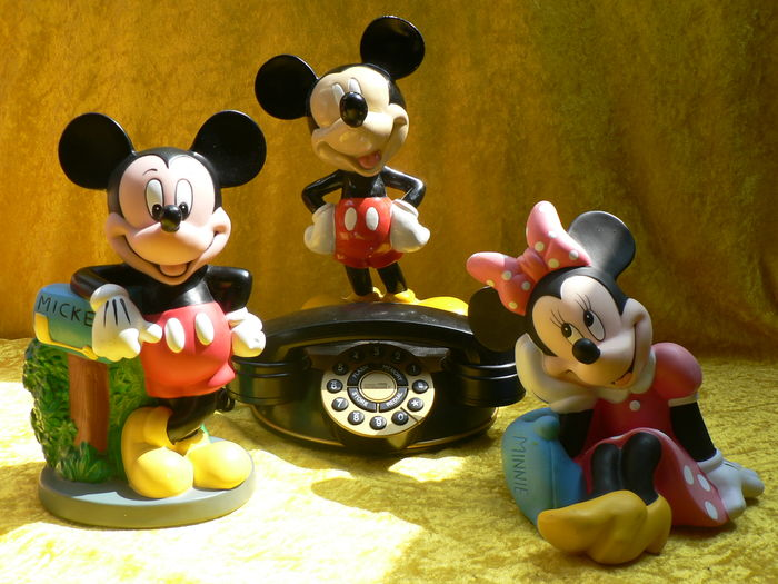 Apr 01,  · vintage Mickey house piggy bank for sale. Message me if interested.
