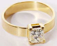 14kt Yellow Gold ring with 1.02 ct. diamond - size 58