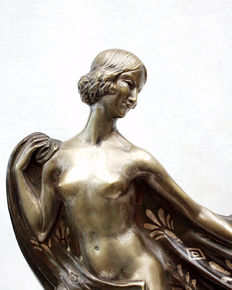 Simone Boutarel (19th/20th century) - Nude with deer - Bronze sculpture