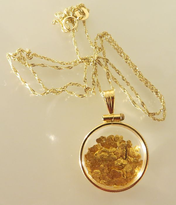 collier or massif femme