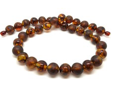 Necklace of Baltic amber beads of 13 mm in diameter – 46 g – 49 cm