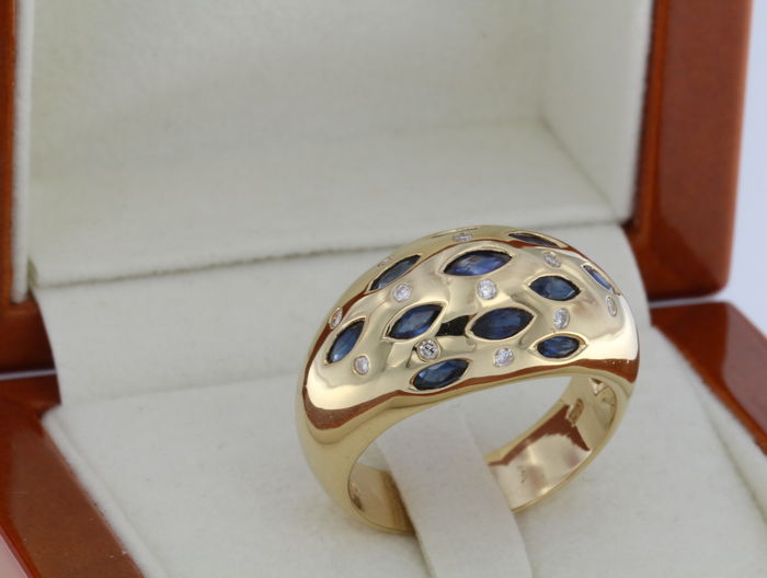 18 kt Yellow GOLD Ring + Sapphires + Diamonds