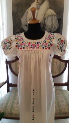A long white cotton dress - with hand embroidered flowers in silk - Italy - first half/mid 20th century