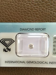 0.33 ct brilliant cut diamond, D IF